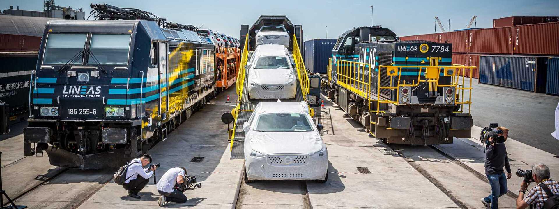 Meer Volvo's per trein naar eindbestemming
